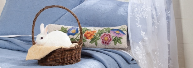 Apothecary Quilt Collection, Blooming Gardens Long Hooked Wool Pillow, Fern Grommet Window Panel White