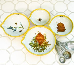 Bees Nested Measuring Cups