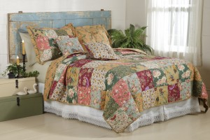 Antique Roses Quilt Set