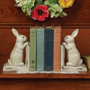Decorating Your Favorite Novels With Bookends Is A Simple And Functioning Decor Practice These Primitively Distressed Rabbits Will Add A Refreshing Look To