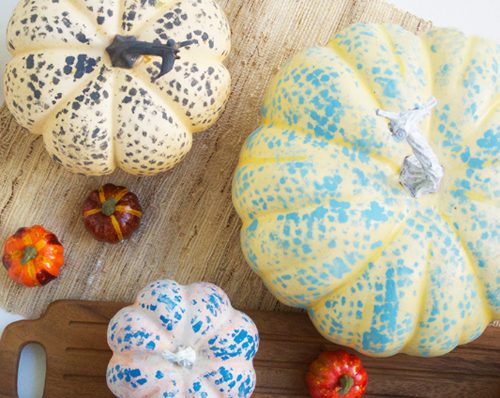 Mesh Bag Painted Pumpkins | Creme de la Craft