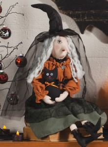 Clarice with Cat Witch Sculpture | Sturbridge Yankee Workshop