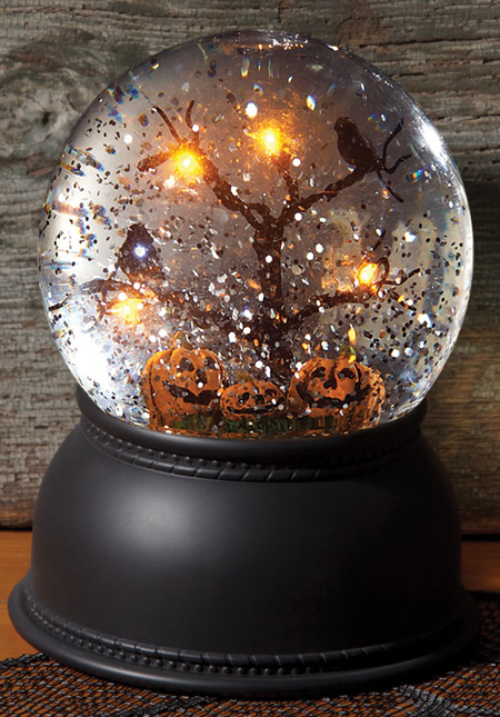 Halloween Snow Globe | Sturbridge Yankee Workshop