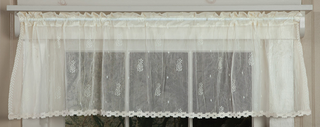 Pineapple Crushed Lace Valance | Curtain Collections | Sturbridge Yankee Workshop
