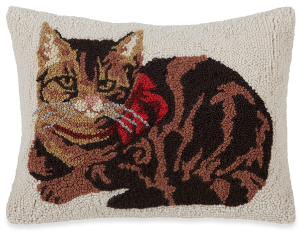 Vintage Tabby Cat Hooked Wool Pillow | Sturbridge Yankee Workshop