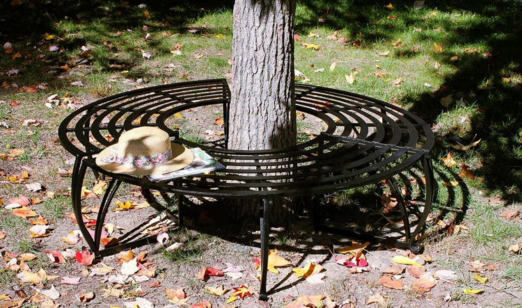 Wrought Iron Curved Tree Bench | Sturbridge Yankee Workshop