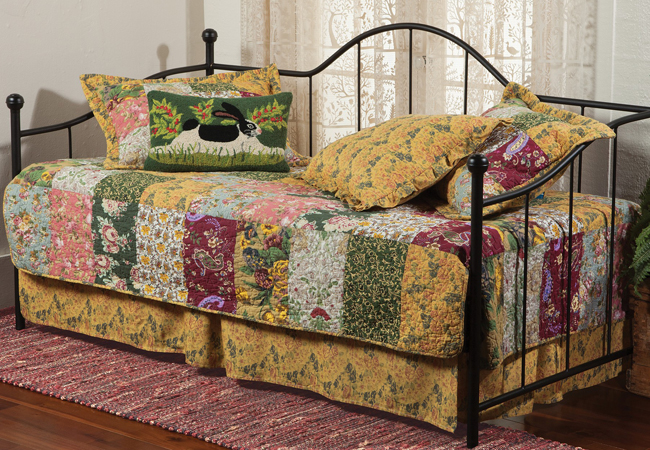 Floral Daybed Quilt Set | Sturbridge Yankee Workshop