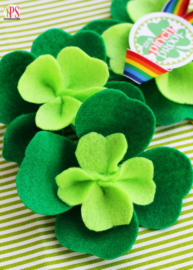 Felt Shamrocks | Positively Splendid by Amy Bell