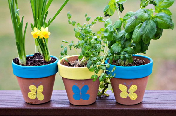 Thumbprint Flower Pot from Upstate Ramblings