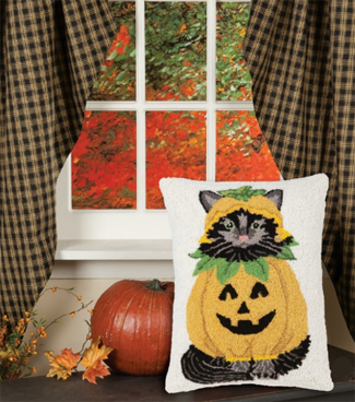 Black Cat Jack-O-Lantern Pillow | Fall 2019 | Sturbridge Yankee Workshop